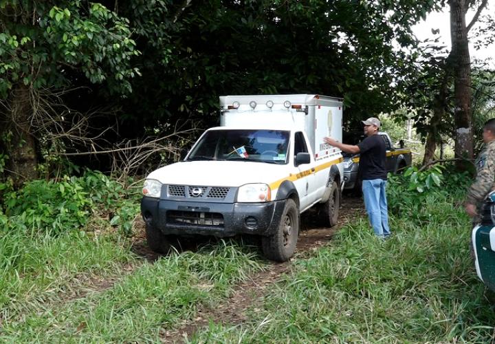 Diligencia de levantamiento del cuerpo de Benigna Duarte, en la comunidad Balsa, de Los Limones, en Barú.