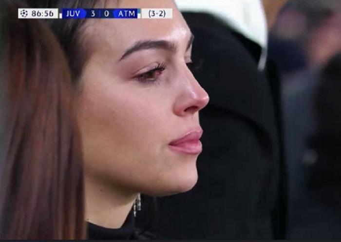 Georgina Rodríguez llora mientras Cristiano marca su tercer gol. Foto: Twitter