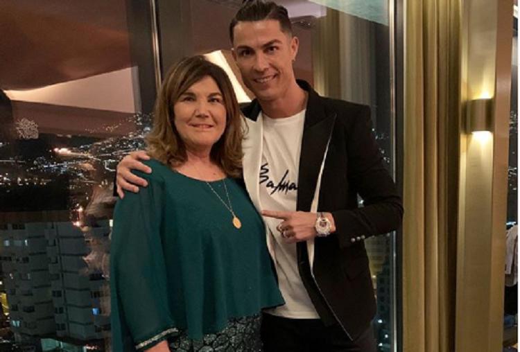 La madre de Ronaldo habría ingresado pasadas las cinco de la madrugada  al hospital. Foto: Instagram