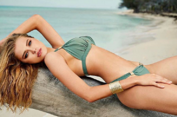 La modelo posó en bikini para Sports Illustrated en el 2016. Foto: Instagram